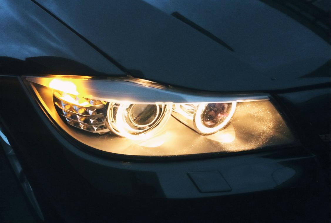 ¿Cuándo se deben cambiar las luces de un vehículo?